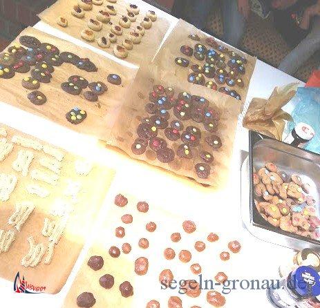 In der Weihnachtsbäckerei wird eine bunte Produktpalette erzeugt.